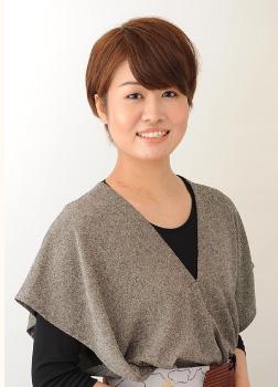 上田 美穂/店 長トータルビューティセラピストヘア&メイクアップアーティスト
